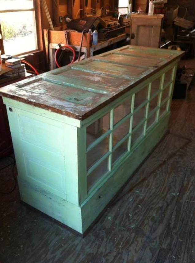 Garage_Door_Kitchen_Island_DIY